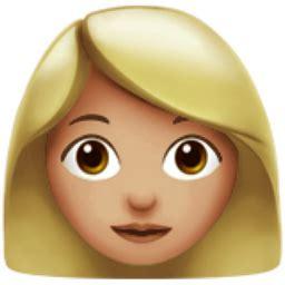 woman: medium light skin tone emoji (u+1f469, u+1f3fc)