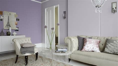 lavender living room a living room in lilac and lavender dulux