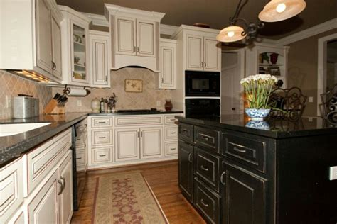 two colored kitchen cabinets two colored cabinets kitchens pinterest
