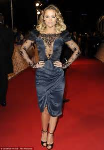 Grecian Draped Dress Ashley Roberts Wipes The Floor With Band Mate Nicole