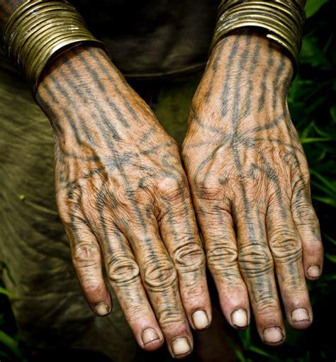 tattoo mentawai traditional people