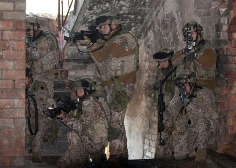 british army to be issued new urban camouflage forces network latvian land forces soldiers in urban camouflage military heroes