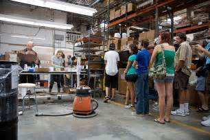 Factory Tour File Tgft20 Crowd Of Tour Guitar Factory Jpg