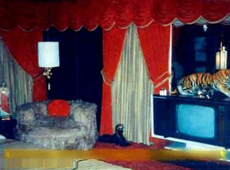 inside elvis bedroom 17 best images about graceland mansion memphis tennessee