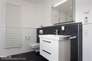 badezimmer gefliest badezimmer halbhoch gefliest bodenfliesen keraben future