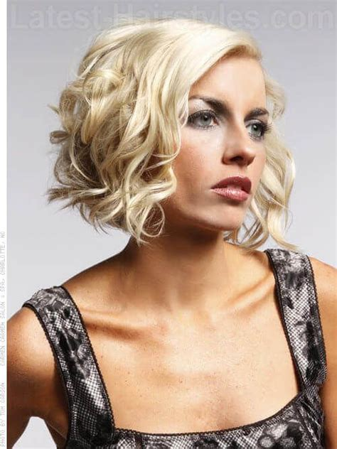 ear length bob wavy 1877 best images about hair on pinterest messy bob