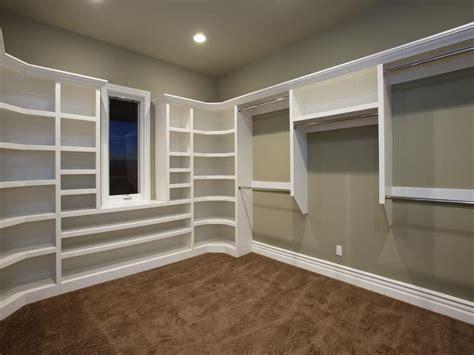build  corner shelf   build large closet shelves