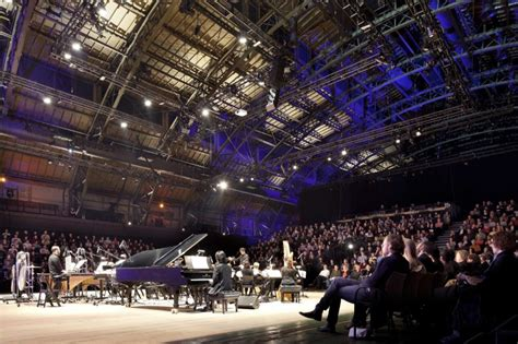 minneapolis armory concert capacity park avenue armory a ku stiks