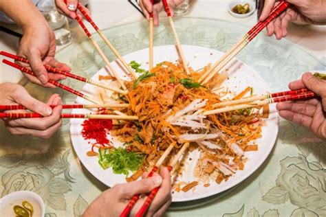 new year tossing of food 12 steps to an auspicious lo hei the top 7 yu sheng you