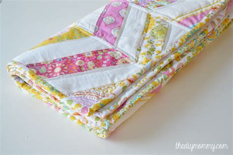 Diy Baby Quilts by Sew An Easy Herringbone Baby Quilt The Diy
