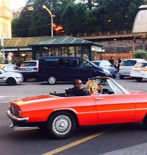 Beyonce Rolls Royce Z Beyonce Cruising In An Alfa Romeo Spider