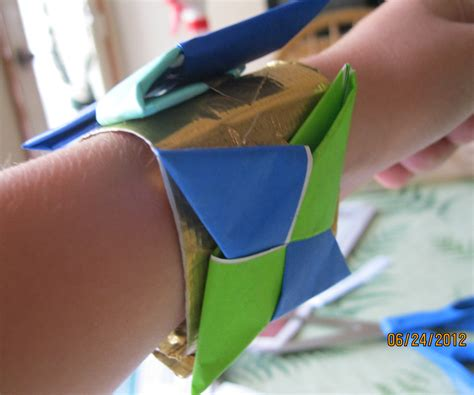 How to Make an Origami Ninja Star Bracelet   1