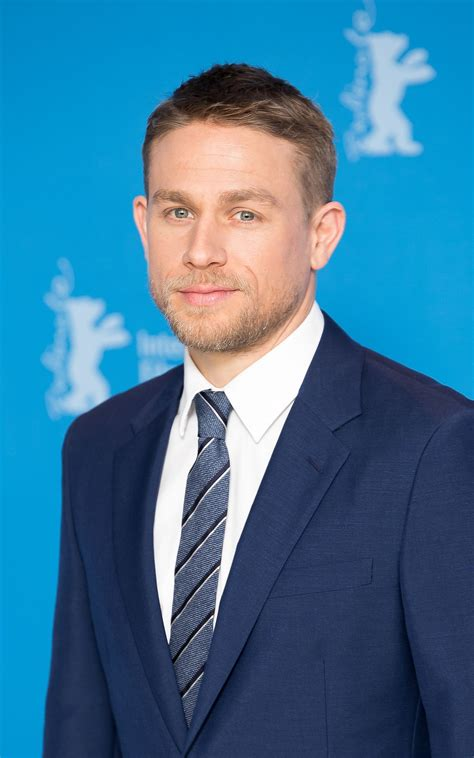 what is the name of charlie hunnam s haircut charlie hunnam wikip 233 dia