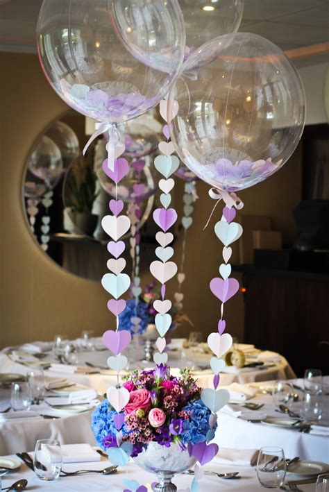 Fab Find Bubblegum Balloons A Real Bride S Guide Balloon Centerpieces For Weddings