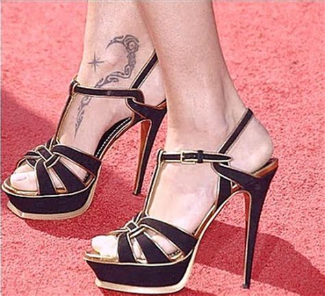 adriana lima tattoo top 10 females models with tattoos