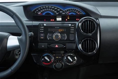 2016 Toyota Etios Valco1 2 E M T novo toyota etios 2016 pre 231 o consumo ficha t 233 cnica