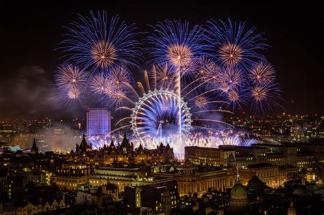 new year sts uk where to new year s fireworks in this