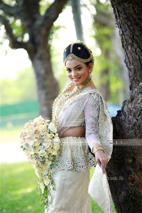 chi siriwardana bridal chi siriwardana kandyan brides photos srilankan actress