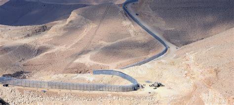 porto israeliano israele ha terminato la costruzione muro lungo il