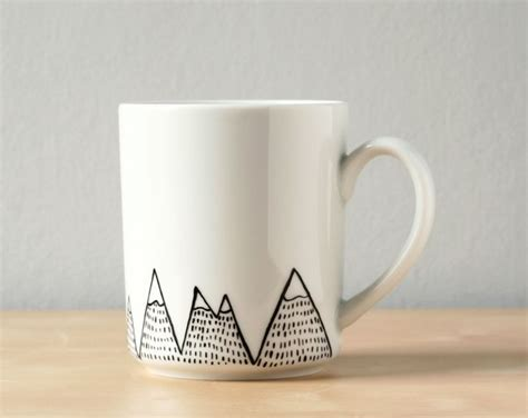 mug design pinterest best 25 painted mugs ideas on pinterest mug decorating diy