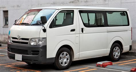 Toyota Hiace Safety Rating Top 5 Cars For Tradies Savvy Finance Insurance