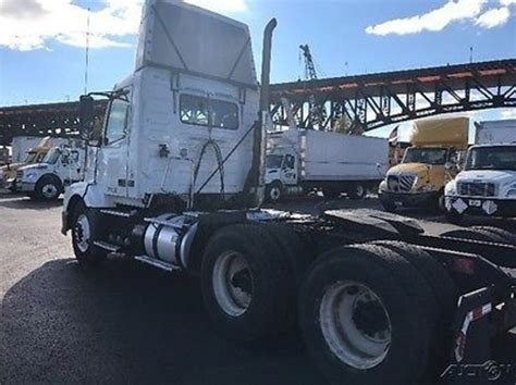 new volvo trucks for sale 2011 volvo vnl64t300 in new jersey for sale used trucks on