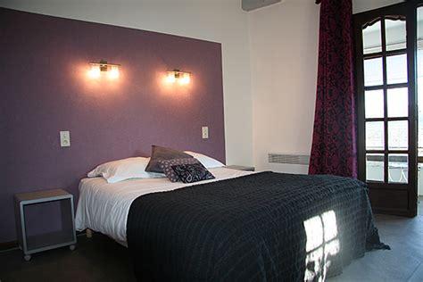 chambre grise et violette hotel restaurant lou cigaloun