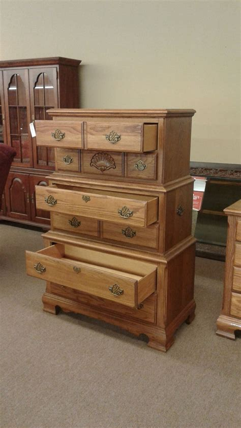 oak broyhill chest of drawers delmarva furniture consignment