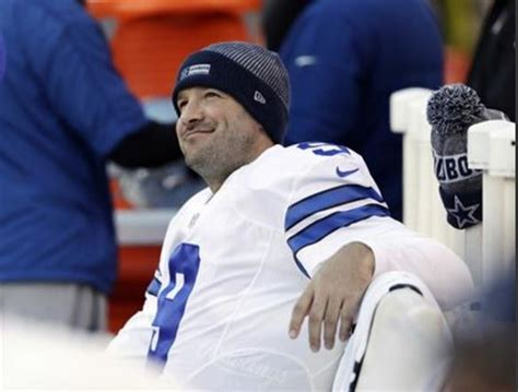 tony romo bench press ap source cowboys romo retiring headed to broadcast booth