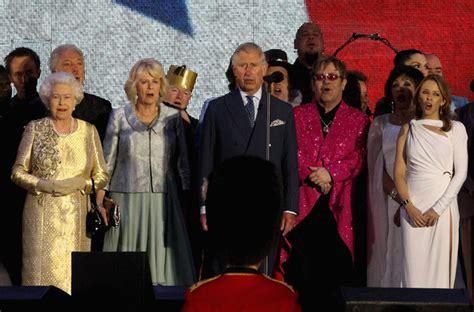 elton john queen of england elton john pictures diamond jubilee buckingham palace