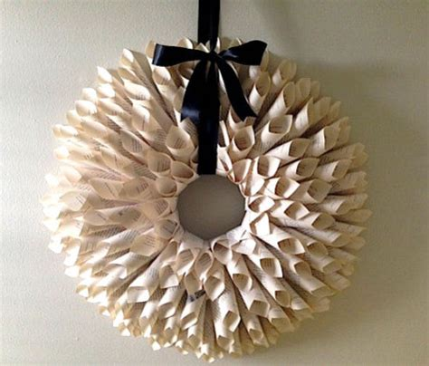 Make Paper Wreath - how to make a paper flower door wreath