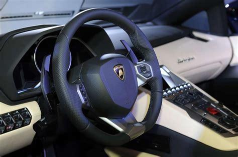 volante lamborghini lamborghini aventador roadster al salone di los angeles