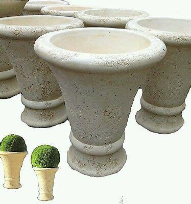 vasi da esterno in cemento vaso vasi in cemento cono da giardino esterno moderni