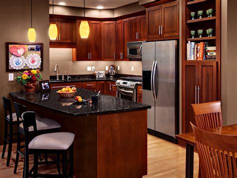 cherry cabinets in kitchen cherry kitchen cabinets with granite countertops cherry