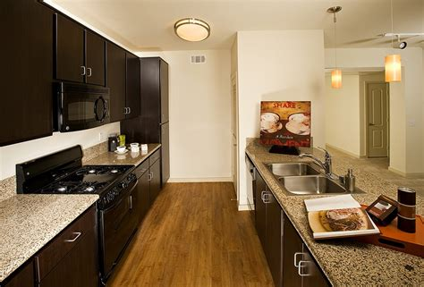 2 Bedroom Apartments San Diego by San Diego Apartments For Rent Mira Luxury