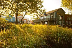 disney's hotel cheyenne   disneyland paris hotels