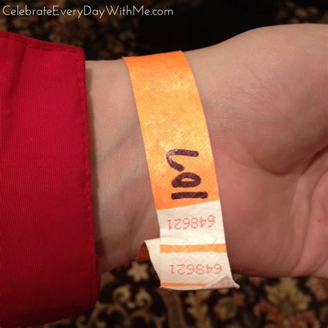 kraftmaid outlet how to shop the kraftmaid outlet celebrate every day with me