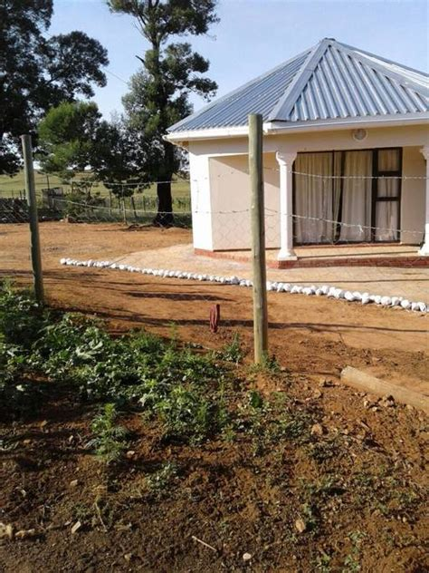 8 Bedroom House For Rent Makhulu S Eight Corner Rondavel Huts For Rent In Mount