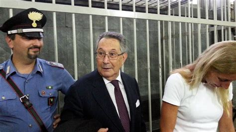 caso ruby caso ruby la sentenza tra abbracci e ressa di giornalisti