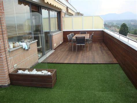 tappeto sintetico per esterni cuneo pavimentazione frassino e prato sintetico