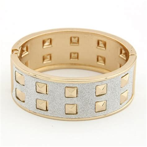 Gelang Korean Style Fashion Rivet Width Design Bracelet fashion square rivets dull style bangle golden with light gray
