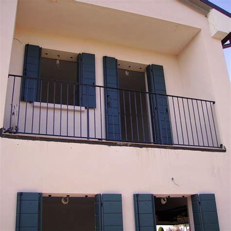 ringhiera per finestra ringhiera semplice cancelli ringhiere recinzioni