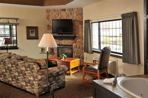Themed Hotel Rooms Iowa by Theme Suite Picture Of Stoney Creek Hotel Conference