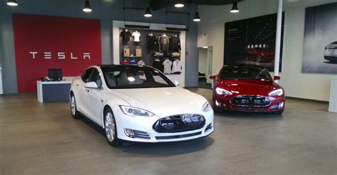 Sell Tesla N C Says Tesla Can T Sell Cars At Store Wfae