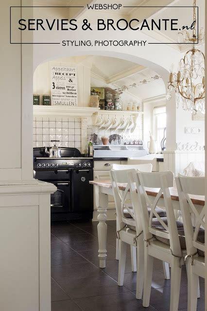 brocante webwinkel keuken servies en brocante photoshoot bij anja voor brocante