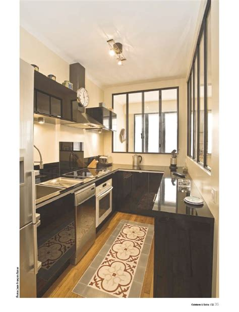 cuisine encastr馥 cuisine type loft avec sa verri 232 re et tapis de