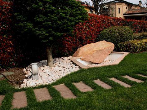 giardini con ciottoli bianchi cave bonomi ciottoli colorati ciottoli e granulati per