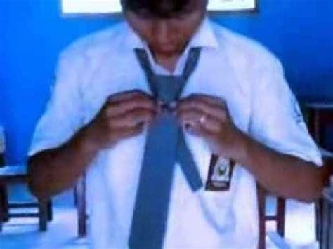 tutorial memakai dasi smp cara memakai dasi videolike