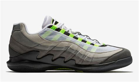 roger federer nike shoes roger federer reveals brand new nike shoes at match for