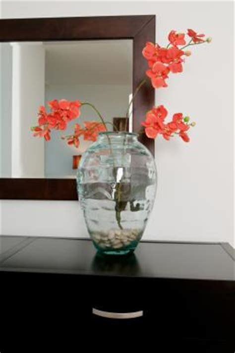 Ideas To Fill Glass Vases by Ideas For Filling Large Vases Ehow Uk